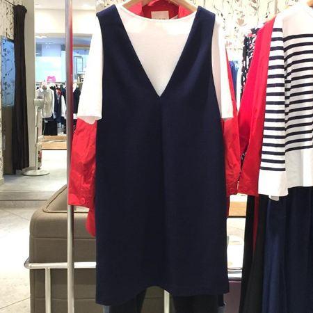 易菲 合体短款套头毛衫T173M475+A型无袖连衣裙F173Y217